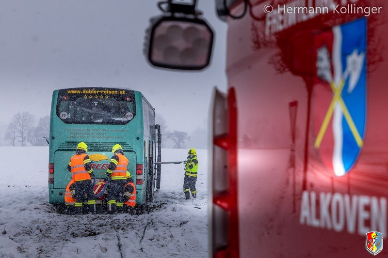 Busbergung_Schnee120121_Kollinger-12