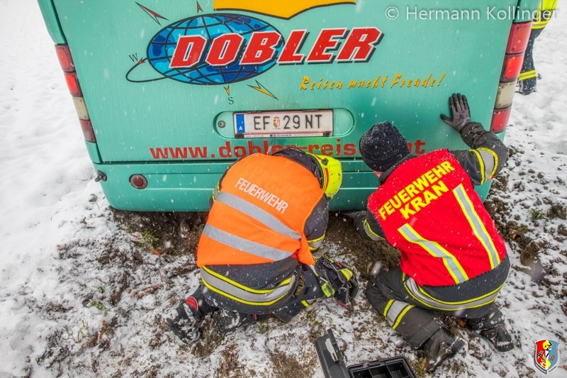 Busbergung_Schnee120121_Kollinger-8