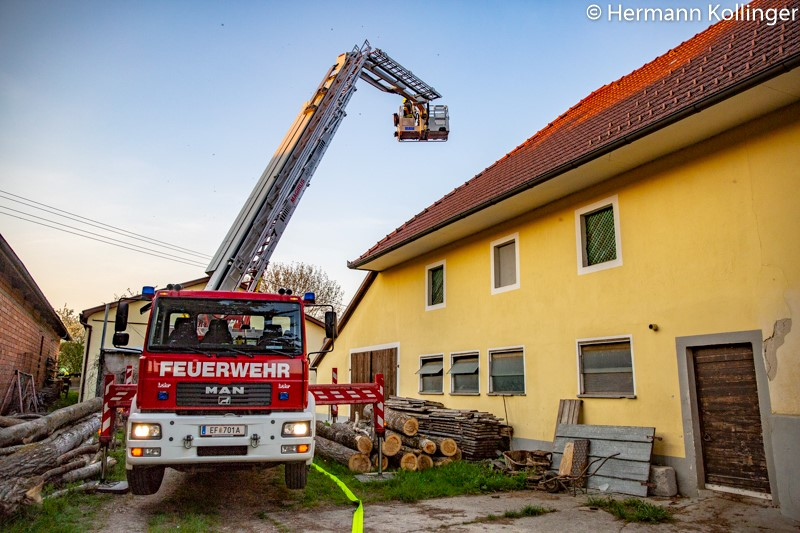 Bauernhofbranduebung190418_Kolli-19