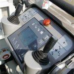 TMB130305_046
