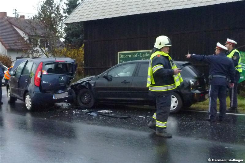 08.11.2010: Schleudernder Pkw in Folge von Gegenverkehr gerammt