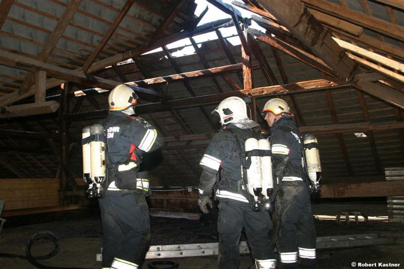 Feuer am Dach / Foto: Kasi R.