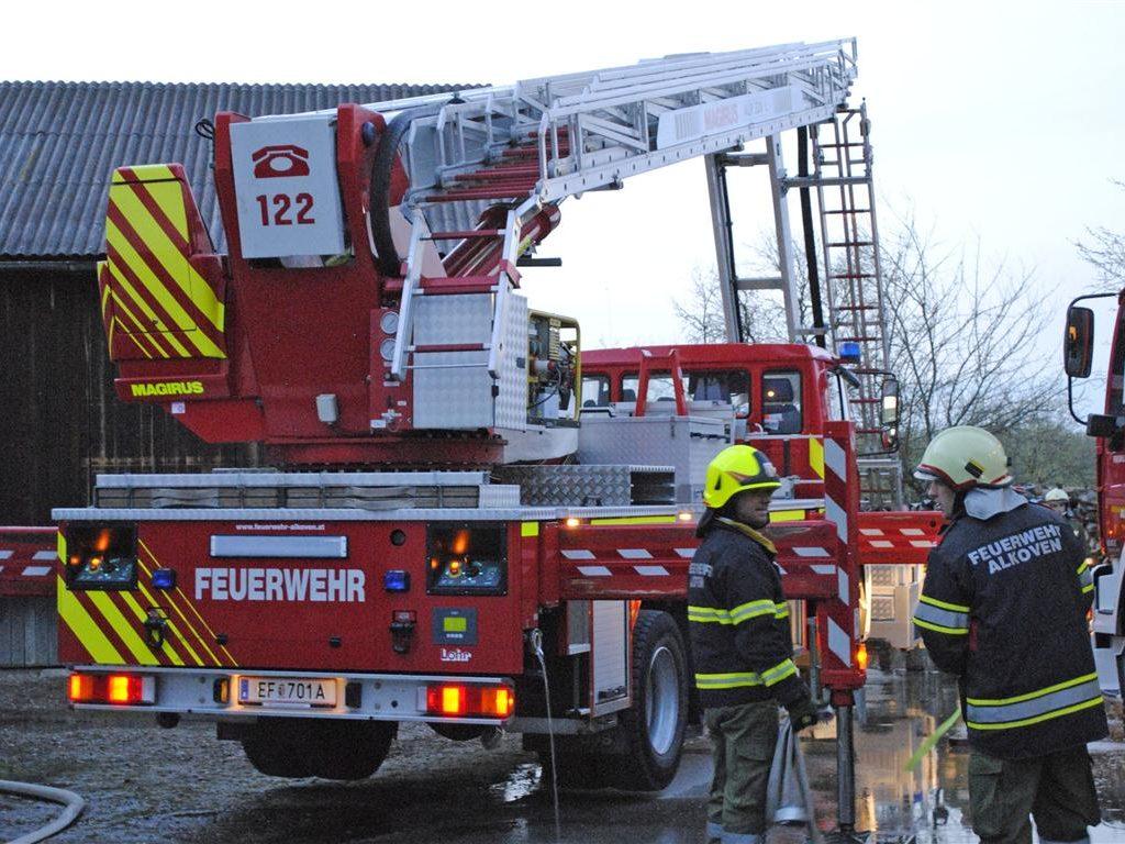 07.04.2011: Einsatzübung am Bauernhof mit drei Feuerwehren