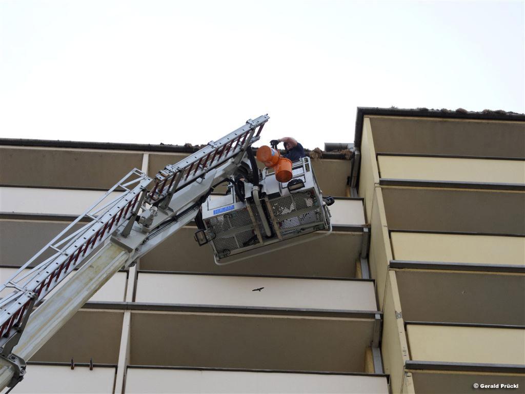 25.03.2011: TMB bei Hochhaus im Institut im Einsatz