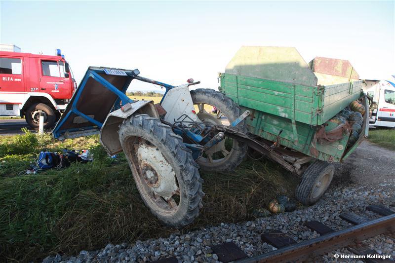 Unfall mit Traktor und Zug (Foto: Kolli)