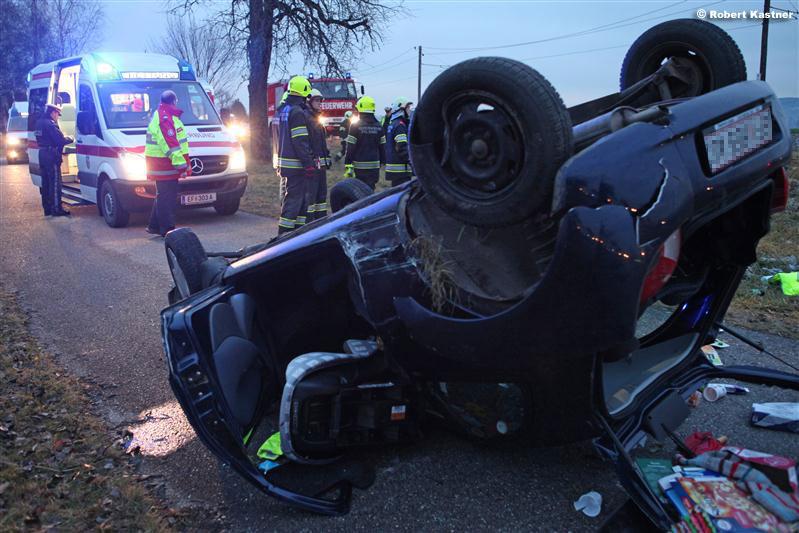 Unfall in Straß (Foto: Kasi)