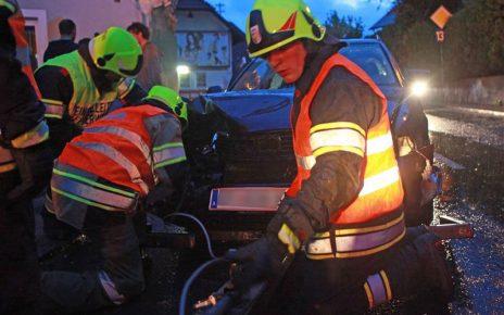 Unfall in Straßham (Foto: Kolli)