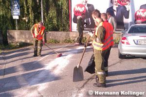 Ölaustritt aus Pkw / Foto: Kolli