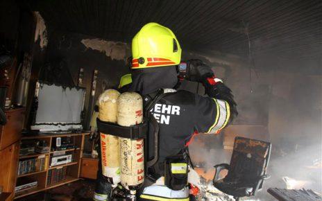 Wohnzimmerbrand (Foto: Christian Schürrer)