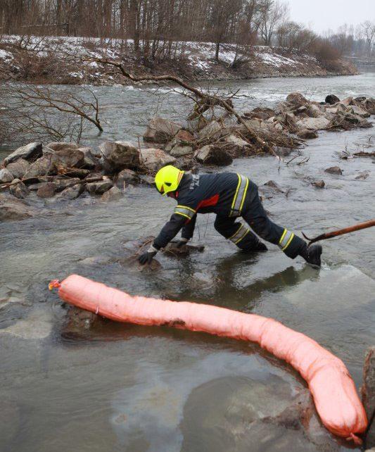 Öleinsatz in Wilhering / Foto: Kollinger