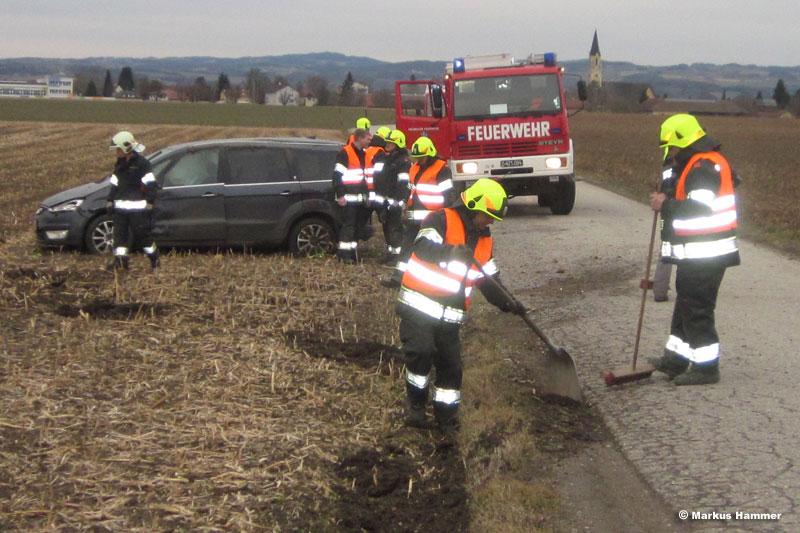 10.02.2014: Drei Verletzte bei Fahrzeugkollision in Hartheim