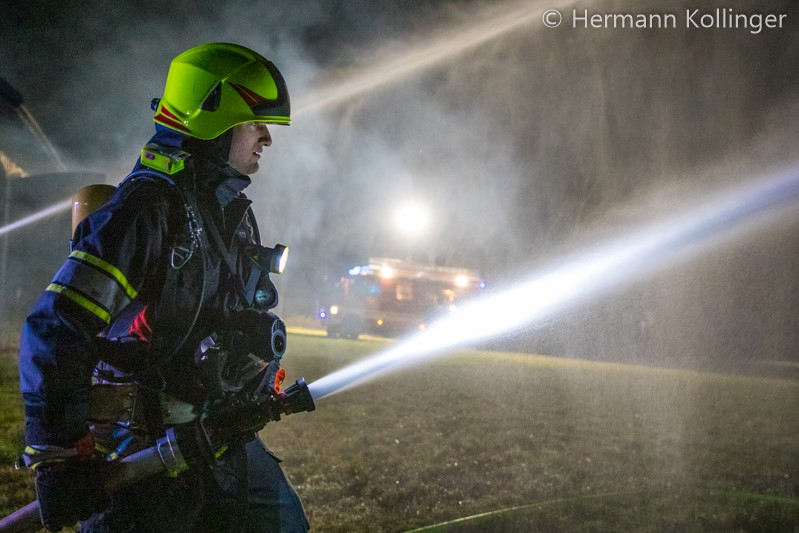 21.03.2019: Drei Feuerwehren beüben Gebäudebrand in Forst