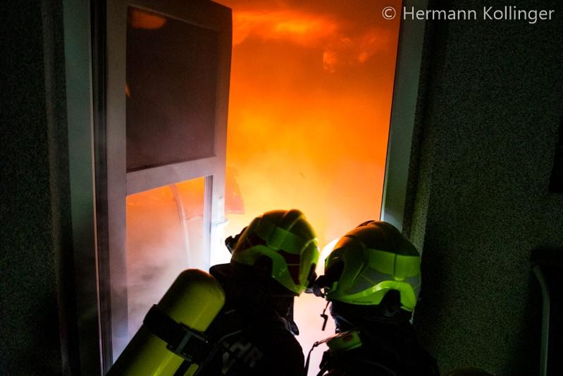 17.11.2019: Gefährlicher Kellerbrand in Straßham