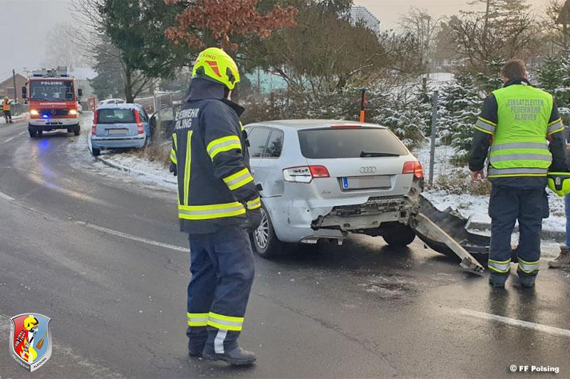 13.02.2020: Drei Fahrzeuge in Eisglätte-Unfall involviert