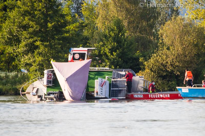25.07.2020: Hausboot kentert auf der Donau → Glück für alle Beteiligten