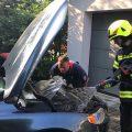 13.06.2019: Ölaustritt und Pkw brennt im Motorraum